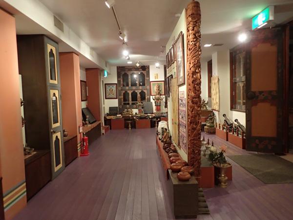 ブータンの寺院を再現したタシチョ・ゾン