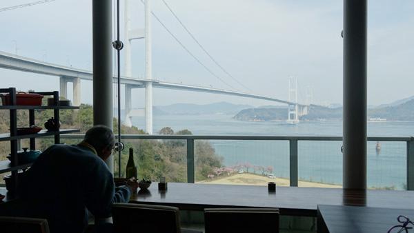 風のレストランからの眺めと来島海峡大橋