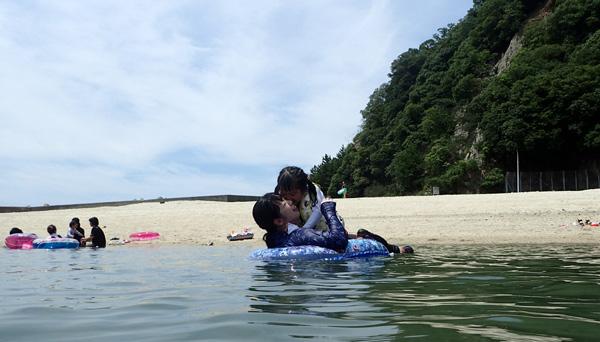 愛媛鹿島の海水浴場