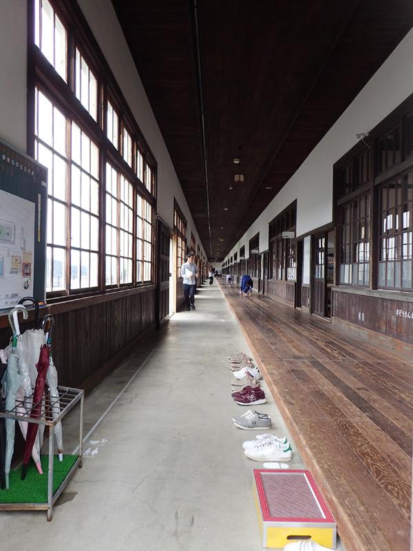 宇和の米博物館雑巾がけレース