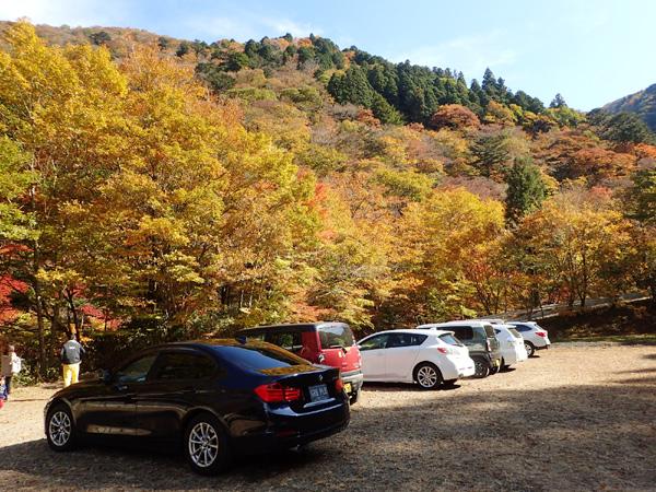 小田深山渓谷の駐車場