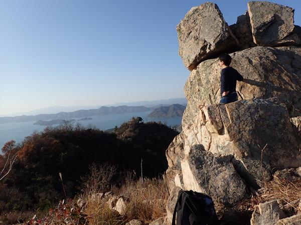 鷲ヶ頭山と安神山の登山ルート エボシ岩