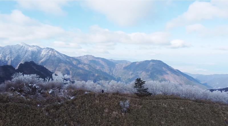 伊予富士の尾根をドローン空撮