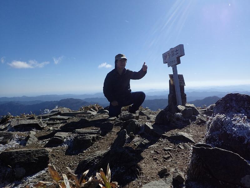 伊予富士山頂にて自撮り
