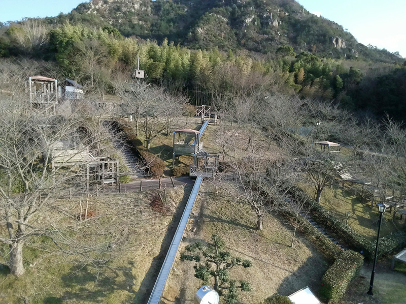 安神山わくわくパークの滑り台