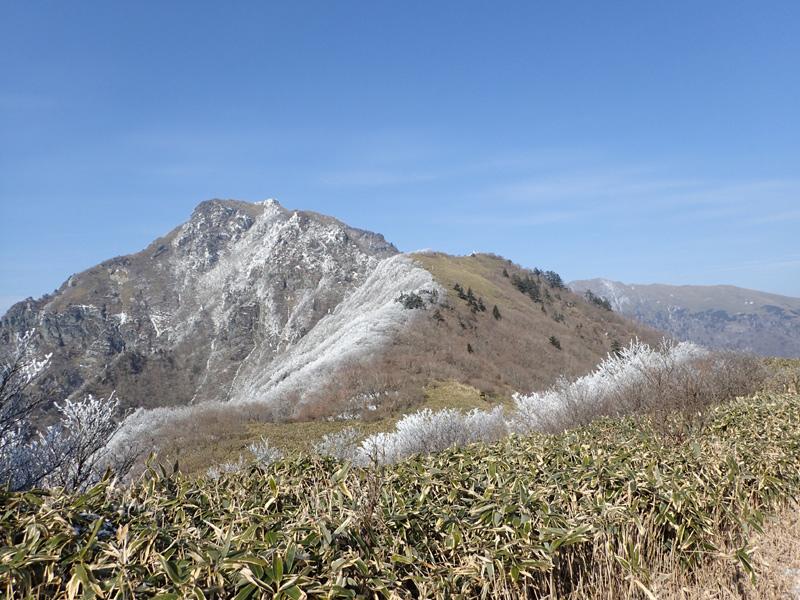 桑瀬峠から見た寒風山
