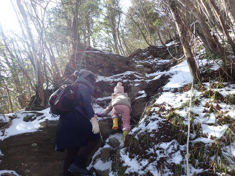 厳寒期の寒風山登山